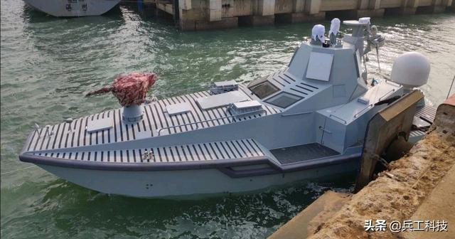 中国新型多用途无人作战艇首次海上试航,将改变未来作战模式