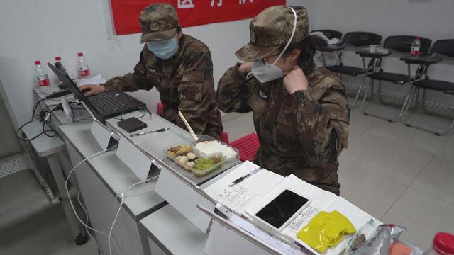 专家揭秘:军用防化服能否替代医疗防护服?