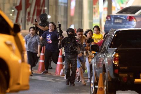 泰国枪击案死亡人数达21人,安全部队人员在突袭中被杀