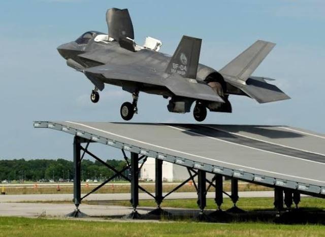 为讨印度欢心,波音也是拼了!打算测试F/A-18滑跃起飞