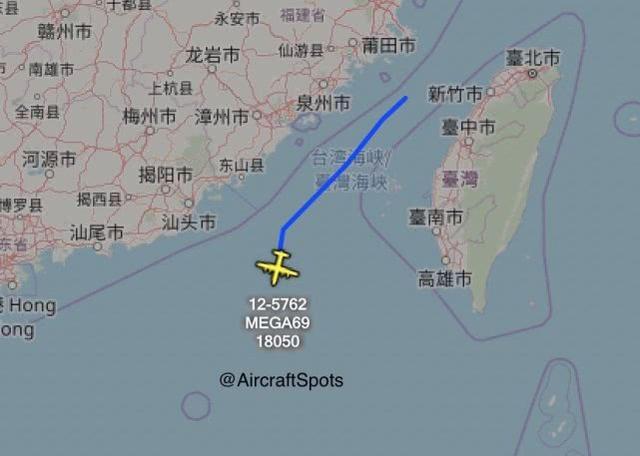 台媒:解放军飞机连续绕台后 美3架军机罕见现身台海空域