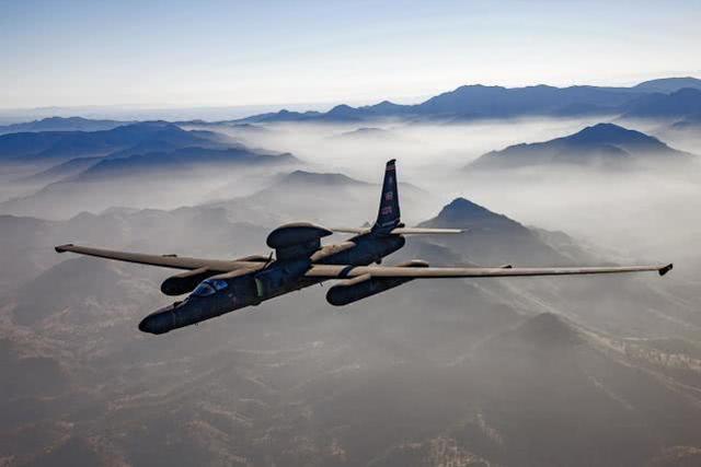虽然不敢再飞来中国,但美军这款飞机还在不断升级扮演重要角色