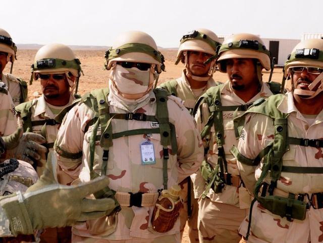 新冠病毒蔓延到中东,美军大批精锐紧急撤回,多国下令封锁边境