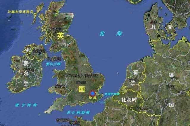 俄军动作频频,战机穿越海峡一路向北,国防部警告不要玩火