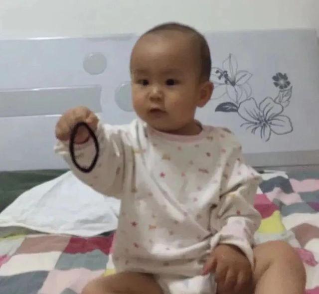 战疫女护士过生日,2岁儿子隔空送上皮筋,不知妈妈已是寸头……