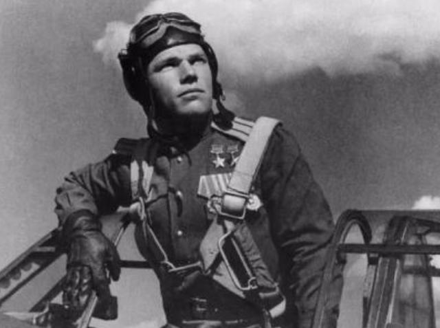 有威胁就消灭掉,二战苏联飞行员击落4架美机:不好意思打错了