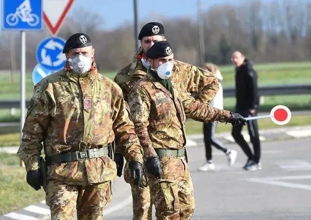 中国专家发布会发火,吓得意大利伦巴第大区主席频繁点头
