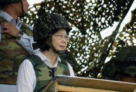 台湾退将:台军战力处于史上最差,若开战美国绝不会出兵