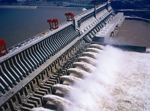 日本钢铁造假不止10年?我国三峡大坝差点被坑,越想越感到后怕
