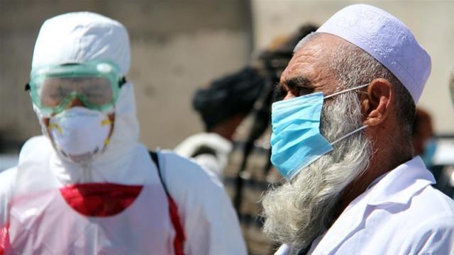 左手消毒水右手AK:塔利班宣传防疫,呼吁戴口罩勤洗手