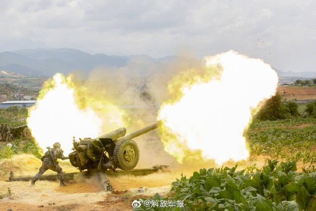 """看不一样的""""火""""!多图直击炮兵超燃演训场"""