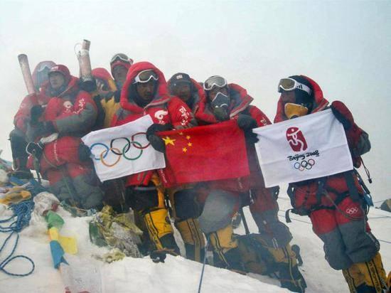 珠峰高程测量登山队开始冲顶 中国第三次高程测量技术才是硬核