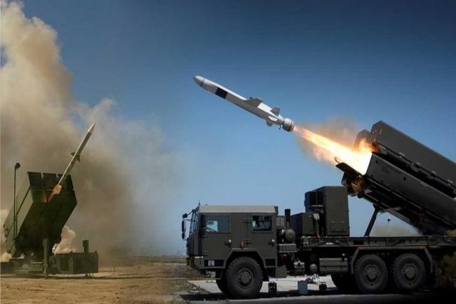 """美国将向印度提供""""综合防空""""系统,与俄制S-400共同防御新德里"""
