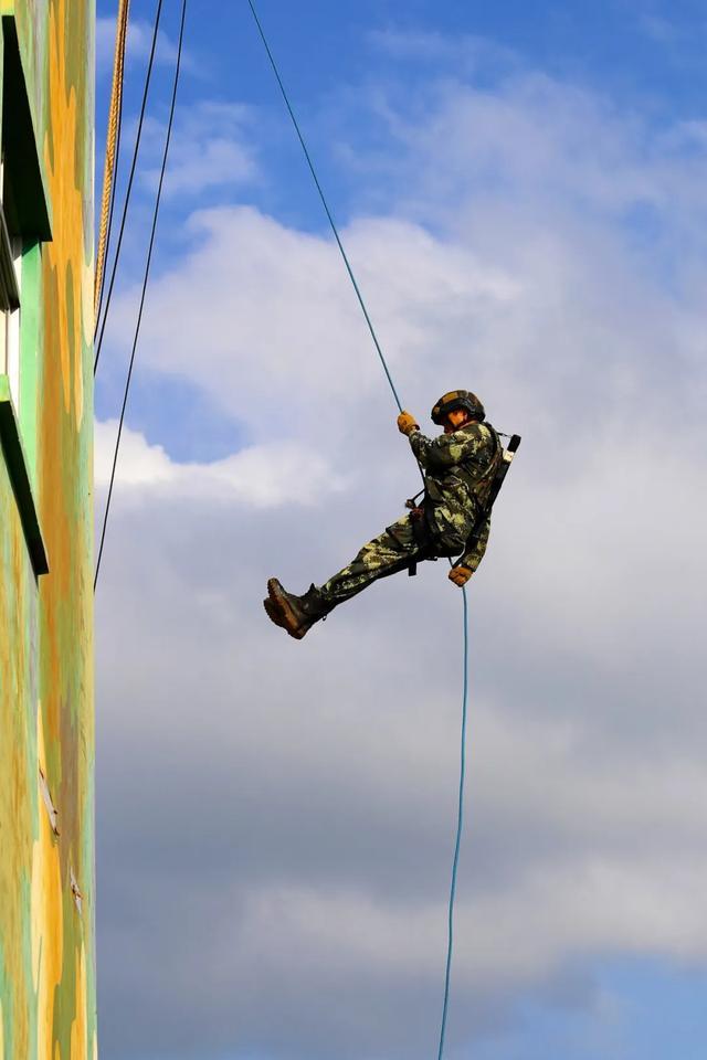 武警特战队员猎人训练,张张图片都精彩