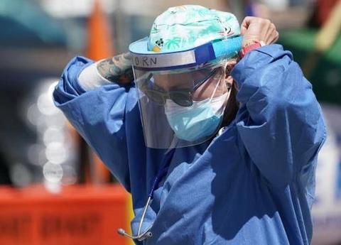 调查:美国纽约64%护士个人防护装备不足