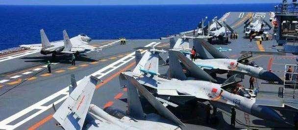 """中国航母""""女司机""""亮相  她如何成为首位辽宁舰的女舵手?"""