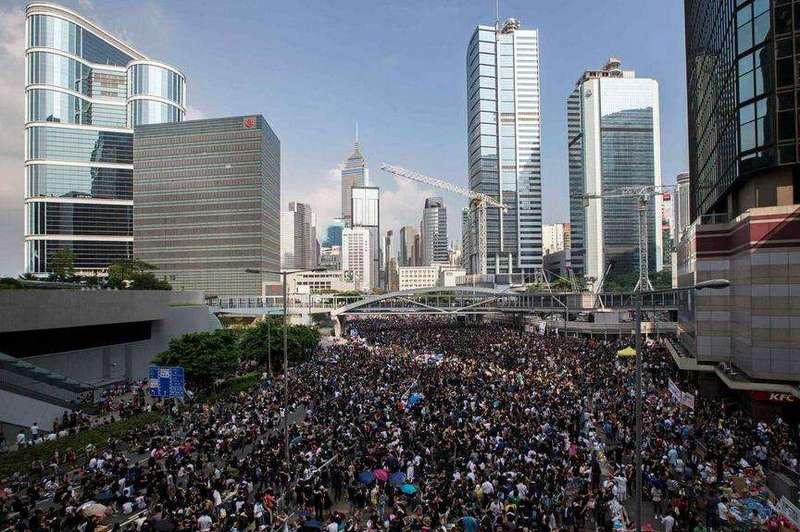 香港反对派议员又赴美勾结外力,梁振英斥:卖国贼、没有好下场
