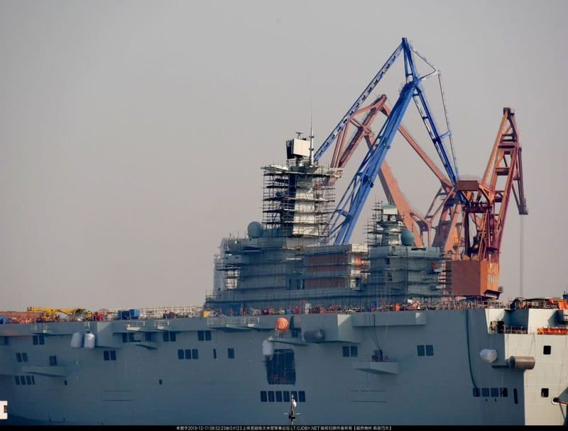 甲板腳架林立!中國075兩棲攻擊艦新動態曝光