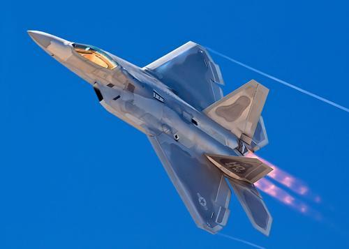 f-22坠机,美军回炉用了7年,原来是这些部位花费了大量时间。
