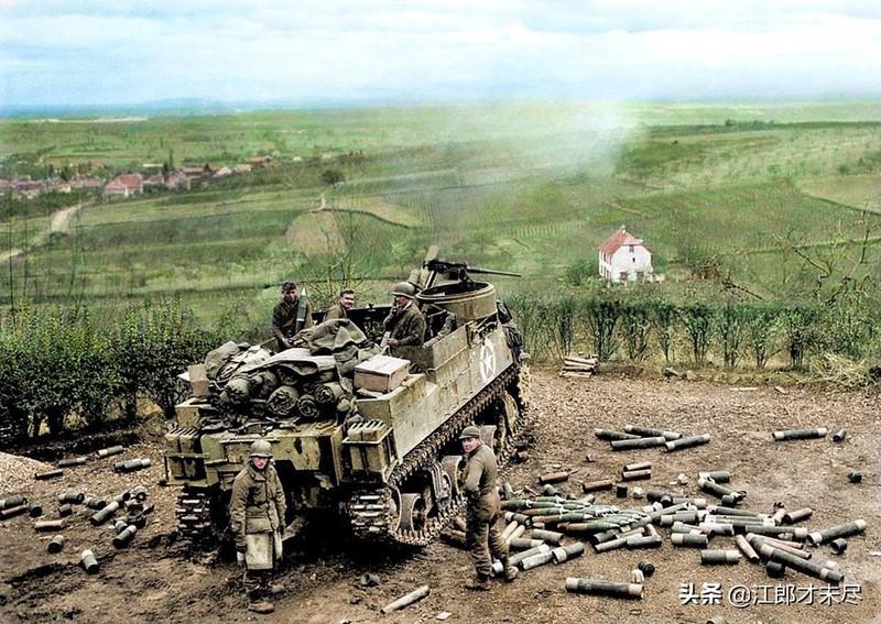 二战珍贵照片,最后一张坦克里的人肯定活不了