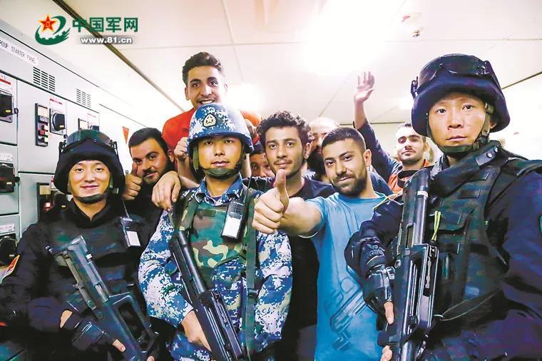 中国舰长讲述亚丁湾抓海盗:对峙十几秒,3名海盗主动投降