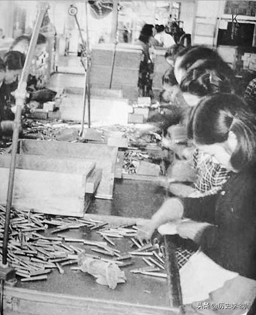 """为何说""""原子弹下无冤魂""""?看看二战日本女人都在干啥就明白了"""