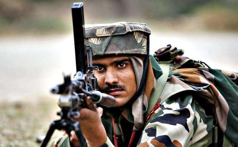 印度巴基斯坦突然动手 中国严阵以待!