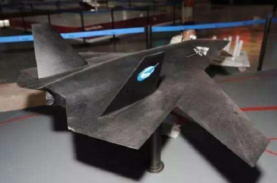 中国新型无暗剑人机:或成为作战中同歼20伴飞