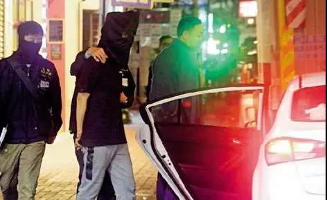 香港警方端掉暴徒军火库 缴获的炸弹足以炸死一车人