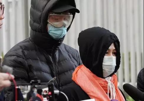 一个香港激进分子在广东,嫖到