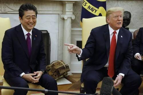"""这招真狠!美国邀日韩共谈""""保护费""""涨价,日韩明知是阳谋也没辙"""