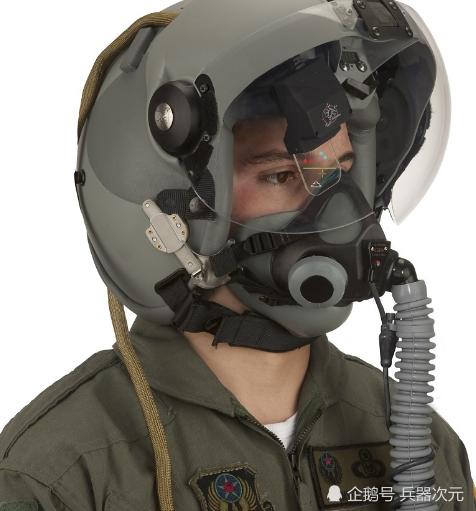 """歼20飞行员变成""""苍蝇头"""" 用眼神就能击落敌机 比F22还先进"""