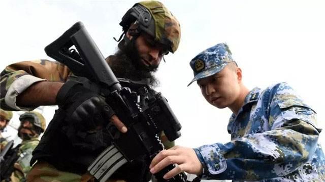 """房兵解读:2019中国军队的""""朋友圈"""" 看后令国人振奋"""