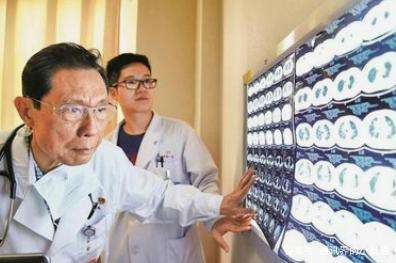 新冠肺炎确诊人数超过非典 专家:别对病例数过于恐慌