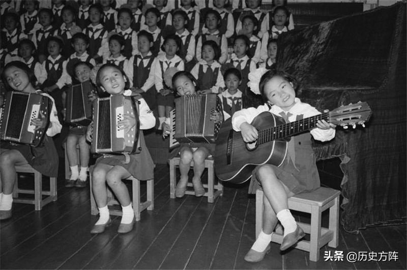1978年朝鲜平壤中小学生学习生活老照片