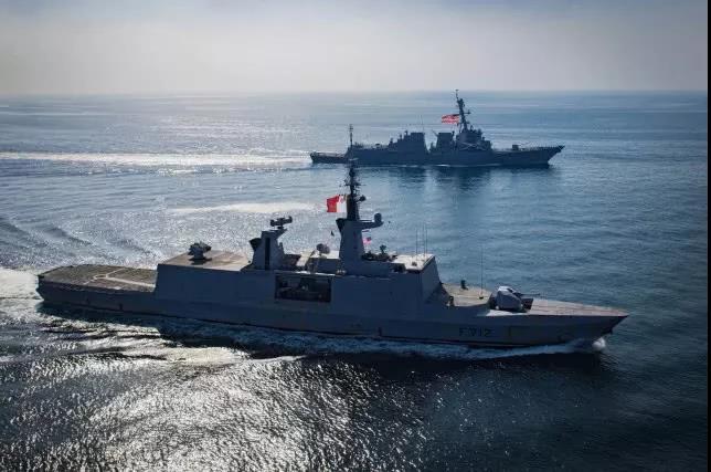 """还要组建海上""""八国联军""""?法国牵头,隐形战舰驶入敏感海峡"""