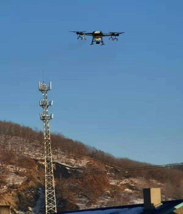 硬核支援 农村地区干部派出无人机助力防疫 !