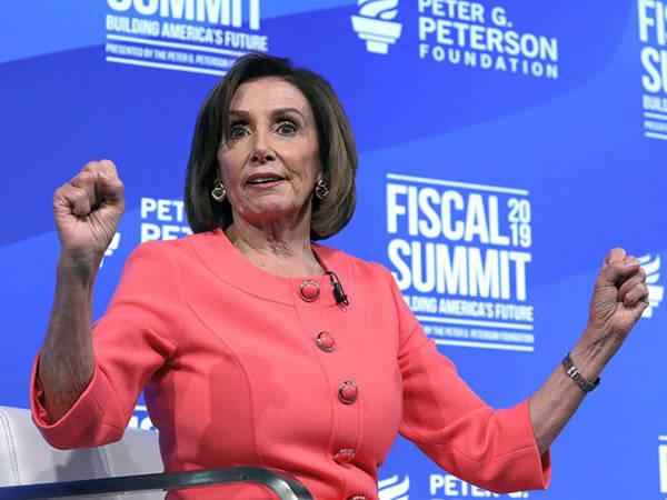 """佩洛西再向特朗普""""开炮"""",这次将矛头指向新预算案"""