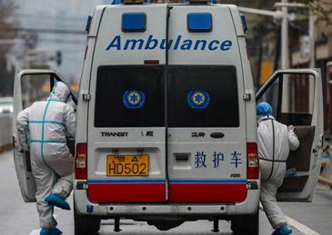 武汉迎来首名献血者,康复者血浆到底对治疗起到多大效果?