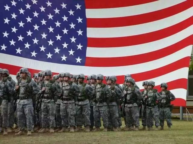 美国总统参选人拜登、桑德斯呼吁调集军队抗击疫情