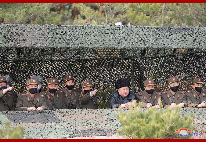 罕见!金正恩视察朝鲜人民军炮兵射击比赛