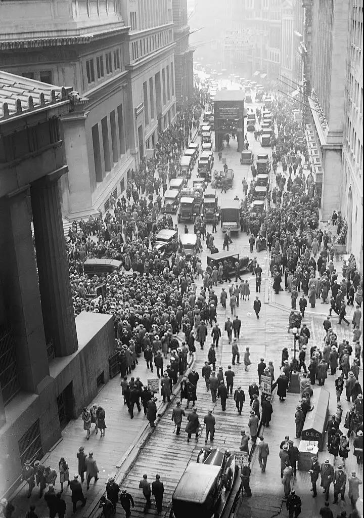 美股五次熔断,特朗普启动70年前战时法案《国防生产法案》!