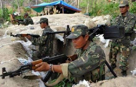 中国军队受东南亚国家邀请,执行任务,越南心慌了