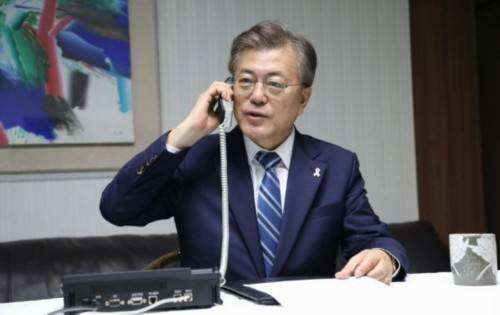 『特朗普』特朗普大言不惭地向韩国求援:能援助一些医疗设备吗?