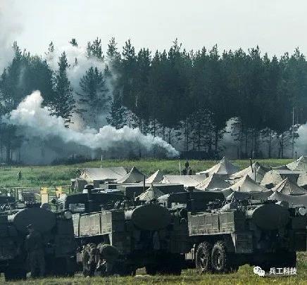 俄罗斯派出精锐三防部队援助意大利抗疫,军用消毒车居然如此硬核!