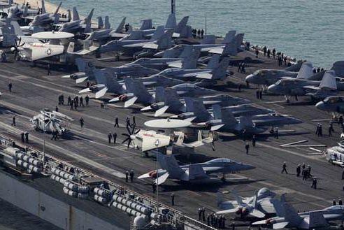 美国航母为何出海必带女兵?舰长:给男兵准备的!