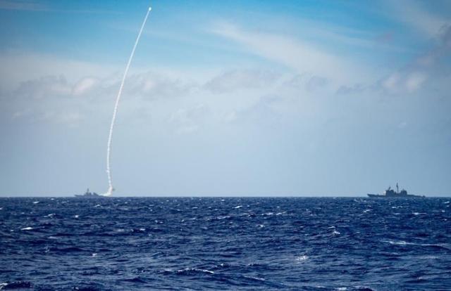 第七舰队真是大胆妄为,公开在南海发射导弹闯下大祸!