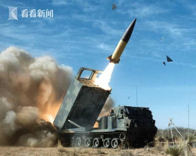 朝鲜官方首曝新武器高清无码照 履带式配两发射管