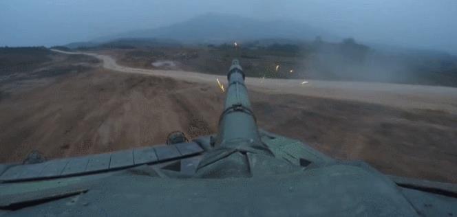 """坦克并列机枪没用?我军曾用它上演真实版""""狂怒"""""""