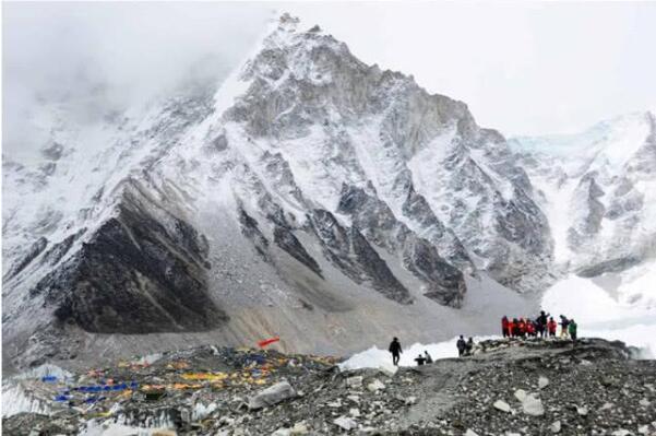 尼泊尔防疫全国封锁,数百登山者被困喜马拉雅山